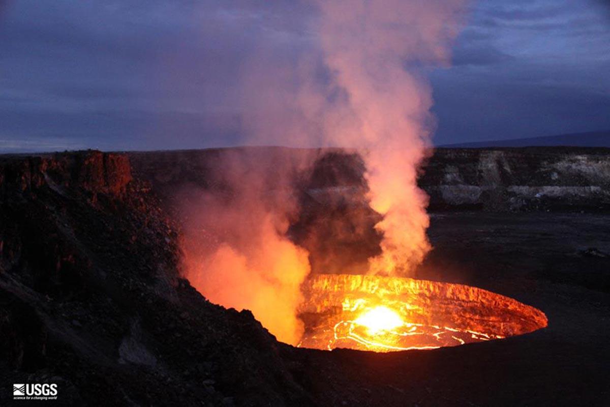 Kilauea Volcano Kilauea-lava-lake
